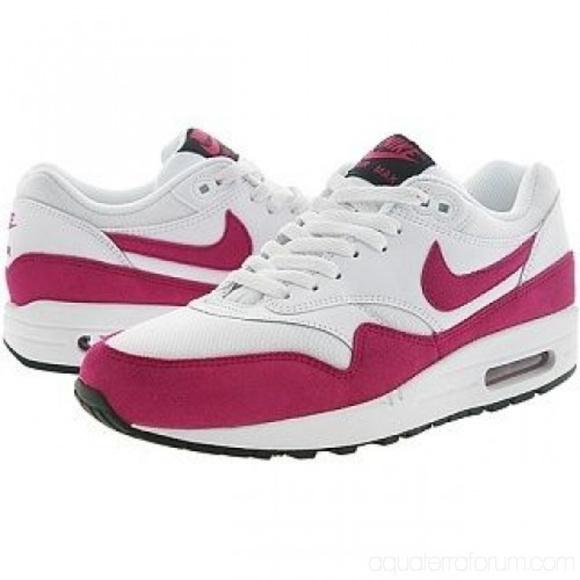 Nike Air Max 1 Essential Women's Running Shoes NWT